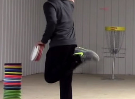 The Great Importance of The Rear Leg when Putting in Disc Golf