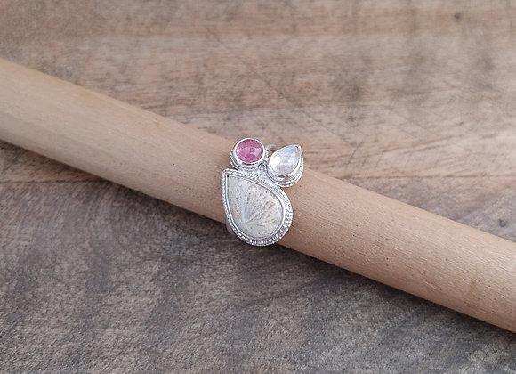 Paisley.Coral.Ring