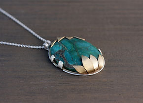 turquoise necklace1.jpg