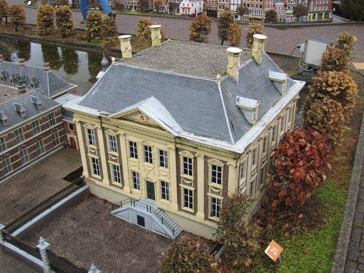 Miniature House 2 - Amsterdam.jpg