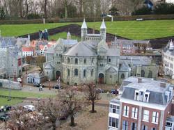 Miniature House 3 - Amsterdam.jpg