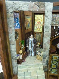 Charlene Mirabelle's tudor box #2.JPG