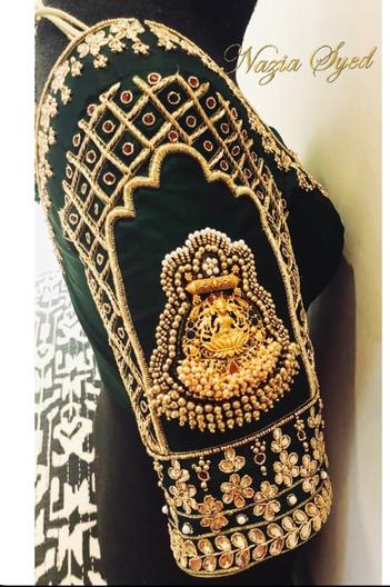 Lakshmi pendant frame blouse