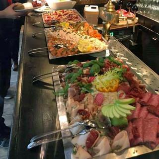 Uitgebreid lunchbuffet...