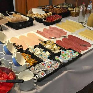 Uitgebreid ontbijtbuffet...