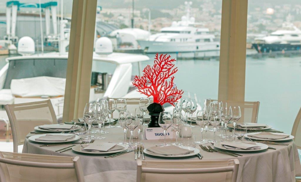 Yachtclub-Restaurant-Hafenblick