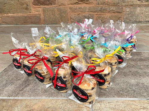 Favour bags with raffia
