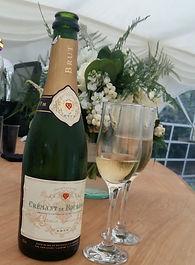 champagne%20on%20bar_edited.jpg