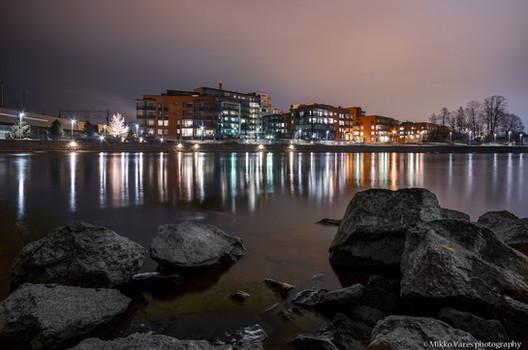 Hämäräkuvaustyöpaja keväällä 2014. Kuva: Mikko Vares