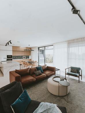 ellen-re-edit-lounge-room-4-grassjpg