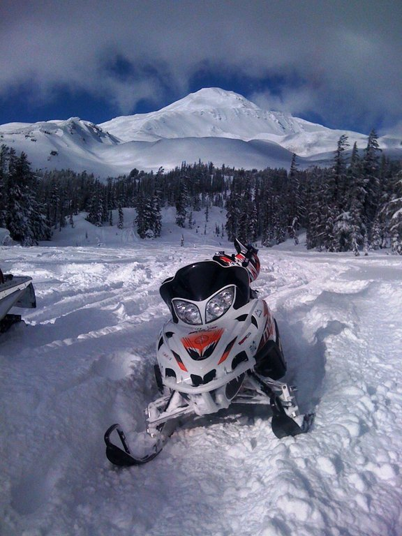 snowmobile+mt+adams2
