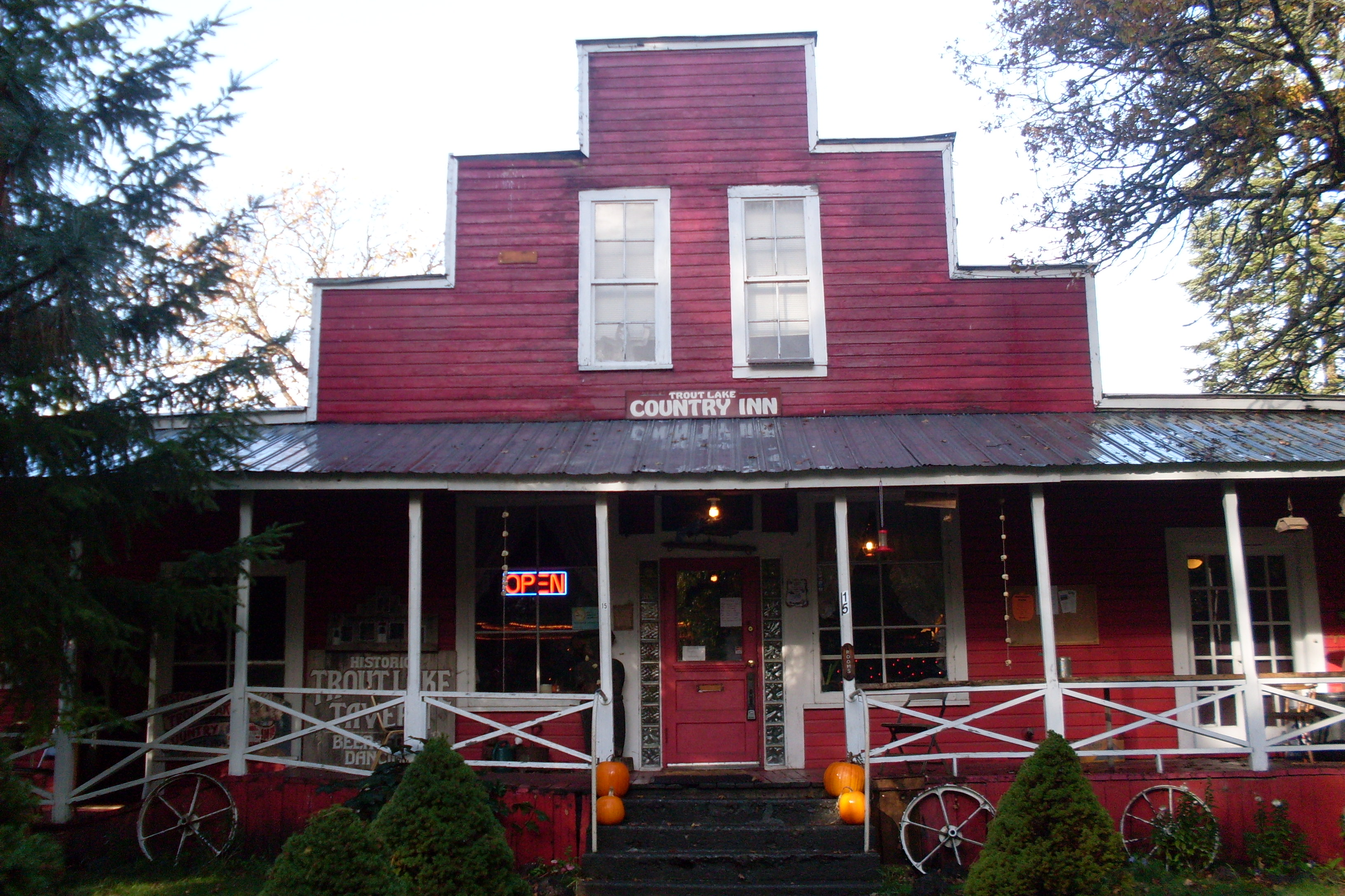 Trout-Lake-Country-Inn2