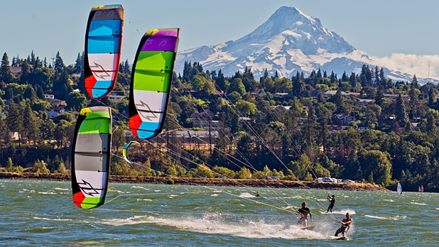 KITE BOARDING & WIND SURFING