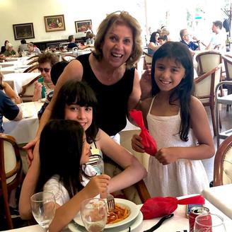Pranzo della Befana: presente para crianças no restaurante do Circolo