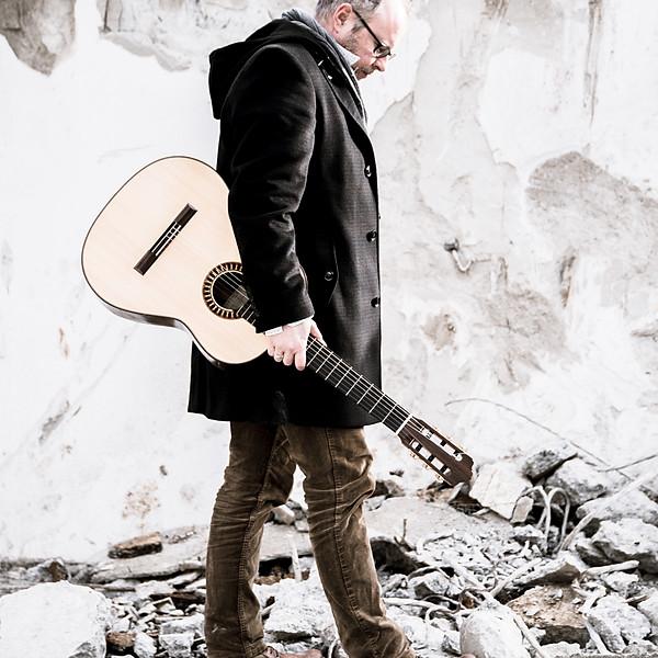 Mister Guitar Adi Huser