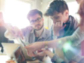 employees_brainstorming