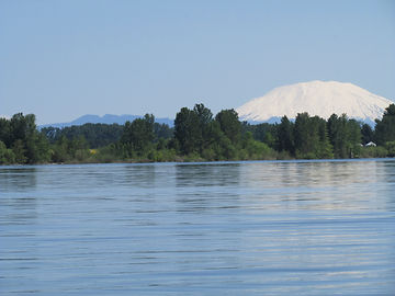 Mt-St.-Helens-From-The-Columbia-River-00
