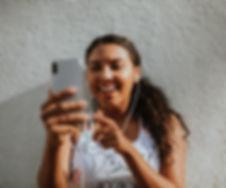 beautiful-cellphone-cheerful-1574649.jpg