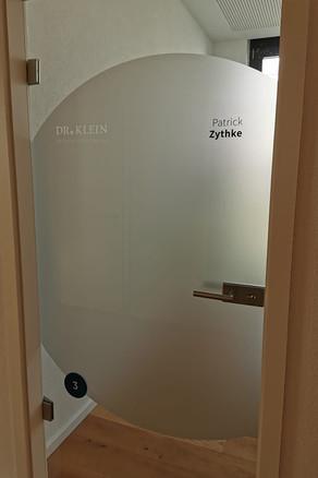 Tür Beschriftung