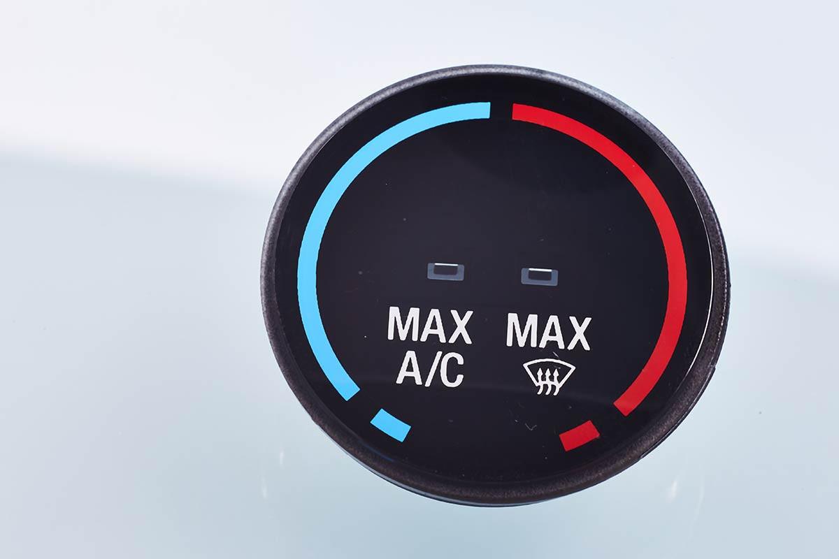 Button FIM - Film insert molding (Automotive)