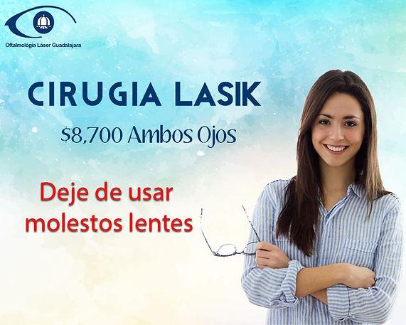 mujer joven on lentes en la mano por que ya no utiliza lentes graias a oftalmolgia laser guadalajara
