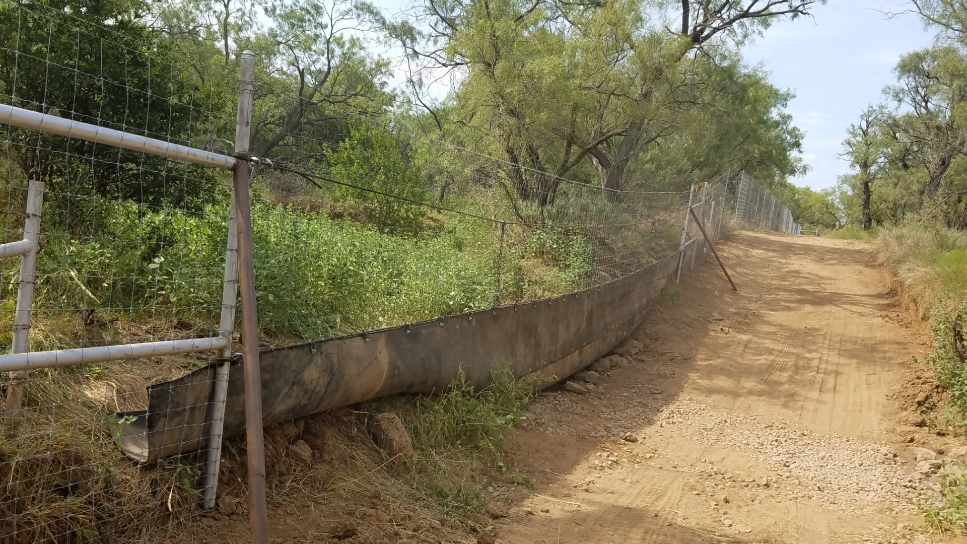 farm-fencing-contractor-water-gaps-7