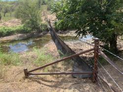 farm-fencing-contractor-water-gaps-10
