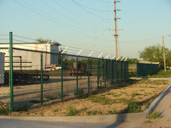 commercial-fence-contractor-7
