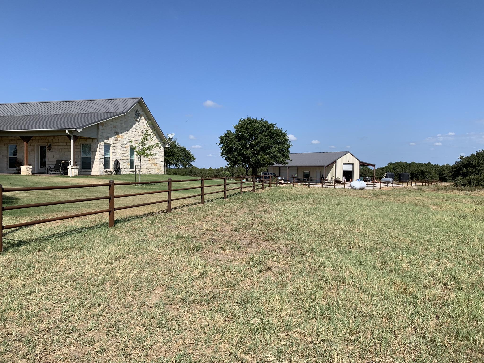 pipe-farm-fence-contractor-1