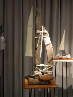 Serie_Caleuches-Catamarán-Ensamble_de_madera,_pabilo_y_papel_de_formio.JPG