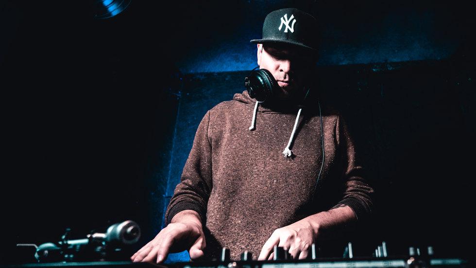 DJ ROBERTO REEL