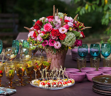Evening buffet table flower design