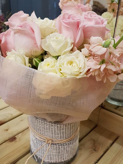 SG7 Hand-tied Vase