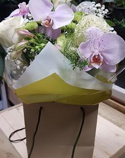 Bouquet flowers in a box