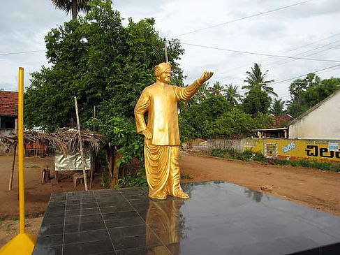 Shows NTR Statue wanted removed by UnIdentified people at Madhurawada Market Area