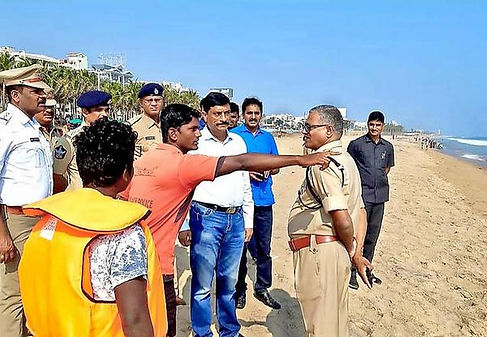 With the State government's decision to organise the official Republic Day celebrations in Visakhapatnam, the city police imposed traffic diversion on the Beach Road from January 17 to 25 to facilitate practice for the parade. The traffic curbs will be in force from 5.30 a.m. to 11.30 a.m. and from 3 p.m. to 5.30 p.m.
