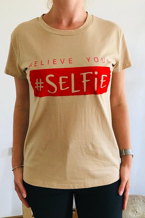 T-shirt Selfie