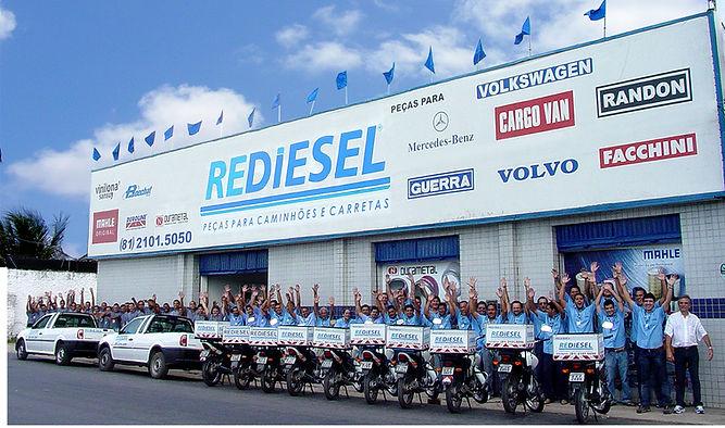 Foto da fachada da Rediesel em 2014.