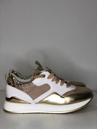 Shoes D7769