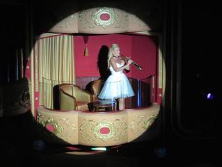 Solo Show Holland America (Nuka Hiva)