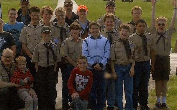 Boy Scouts Help Cemetery 2017 Memorial W