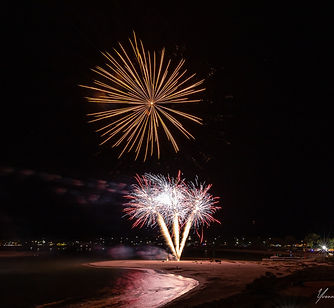 Kalbarri_Yvonne_McKenzie_Fireworks_Photo