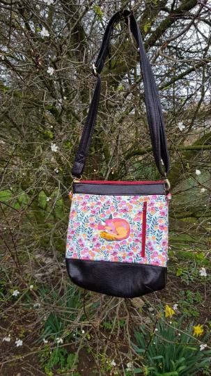 Gorgeous hand made Jasmine Fox shoulder bag
