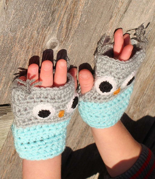 Children's Fingerless Owl Mitts