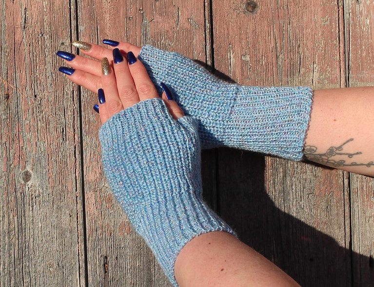 Sparkly blue fingerless mitts