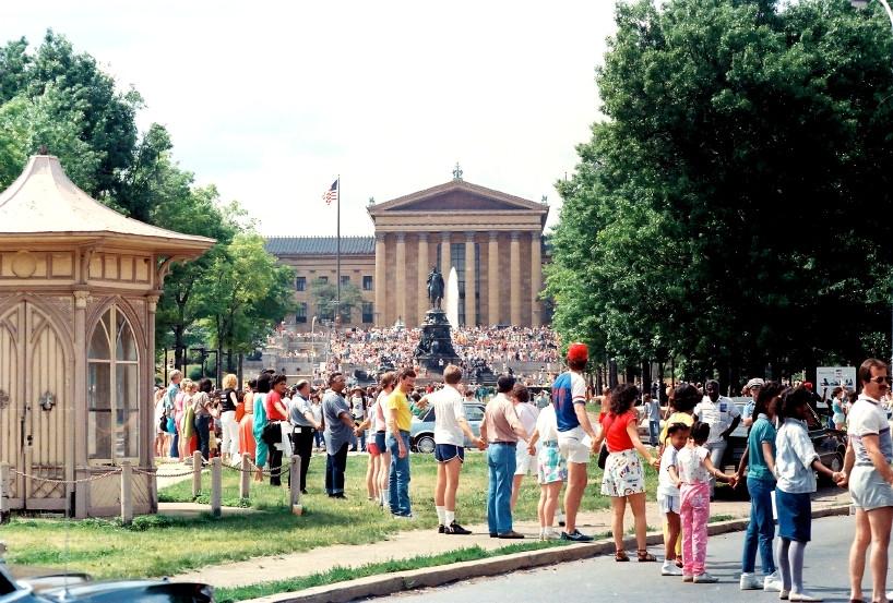 Hands Across America - Philadelphia, Benjamin Franklin Parkway/Philadelphia Art Museum - May 25, 1986