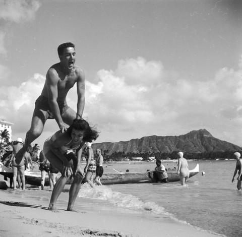 vintage_hawaii_honeymoon-1-thumb-550x539