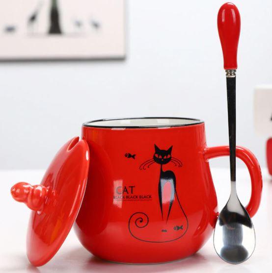 Kaffeebecher mit Katzenmotiven