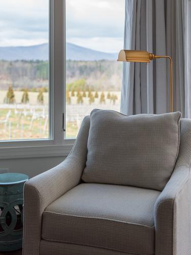Deluxe Suite Sitting Area.jpg