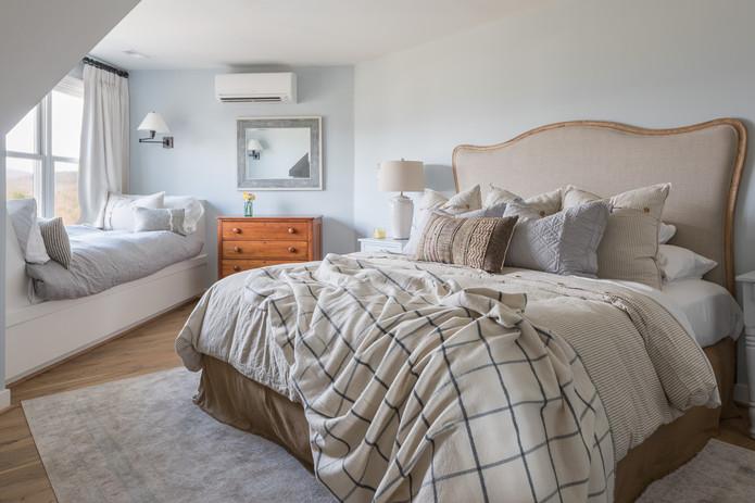 Inn at Stinson Vineyards Cottage Suite.jpg